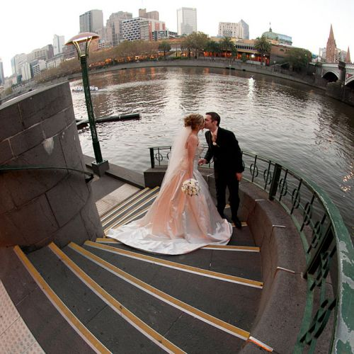 wedding makeup artist travels anywhere in melbourne