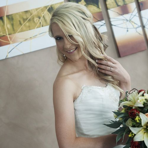 resh and natural wedding makeup and hair style for blonde girl